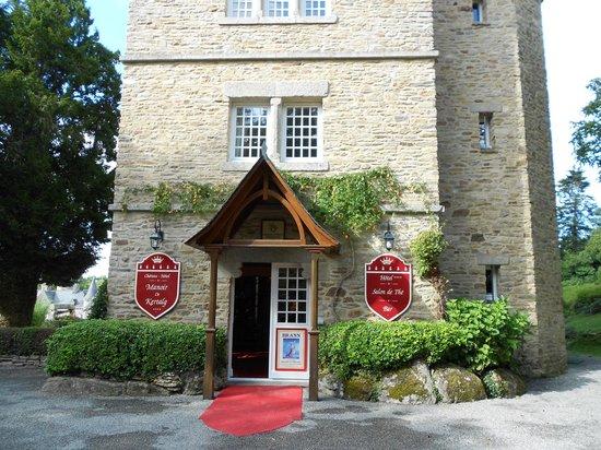 Chateau-Hotel Manoir de Kertalg : Entrée
