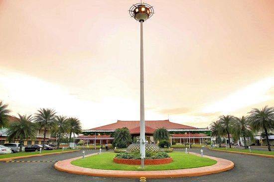 Lulu International Convention Centre & Garden Hotels