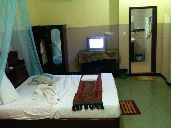 Golden Noura Villa Pub & Restaurant: Double room 232
