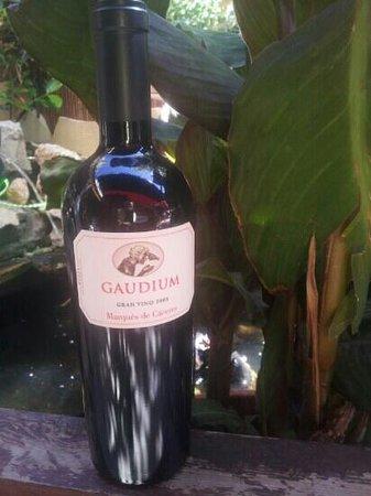 Cafe Guinness Restaurant: Buen vinos.