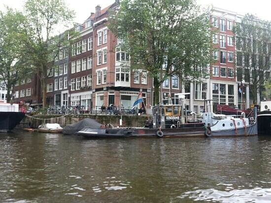 DFDS: canal cruise in amsterdam - I wouod advise getting tickets from the vendors on the actual canal