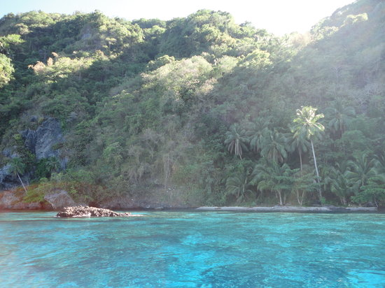 Limasawa Island: Crystal clear waters at the marine reserve