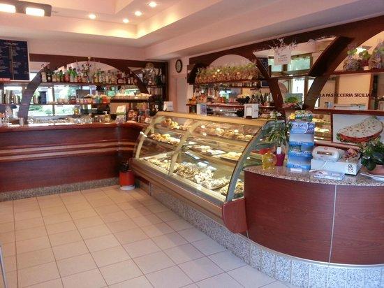 Pasticceria di grande qualità - Recensioni su Punta Ala Bar Pasticceria  Siciliana 71ef25feed75