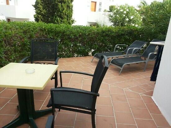 Aparthotel Ferrera Blanca : vår fina uteplats