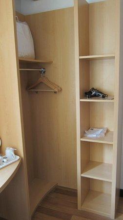 Ibis Bristol Temple Meads Quay: Pre-fab opened wardrobe & cupboard