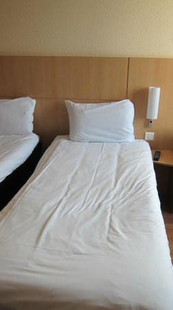 Ibis Bristol Temple Meads Quay: Twin (small) but comfortable bed