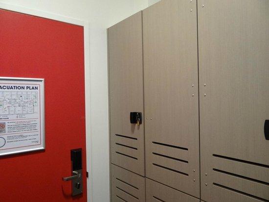 Bounce Sydney: Room cupboard