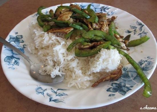 Vietnamese Noodle House : 鳥肉野菜炒め