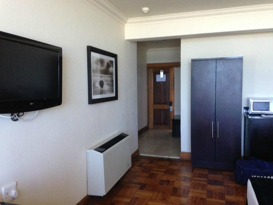Belaire Suites: 1 Bedroom Room