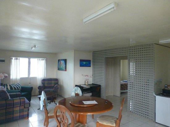 Port of Refuge Villas : Living Room