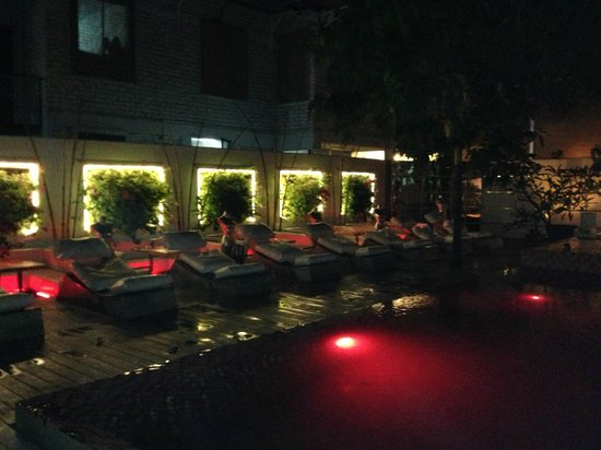 CASA Colombo Collection: The Pink Pool at night
