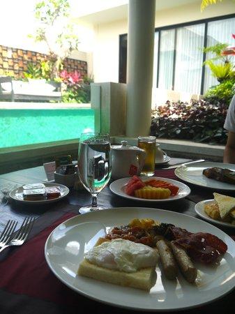 Berry Amour Romantic Villas: Breakfast