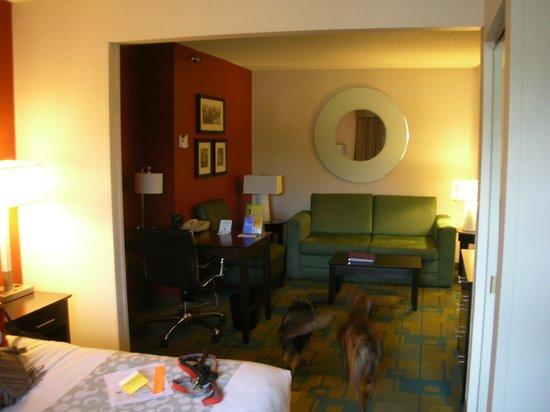 La Quinta Inn & Suites Milwaukee Bayshore Area : room3