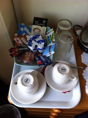 Penrose Guest House : hospitality tray
