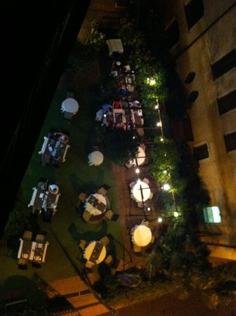 Hotel Federale: Garden restaurant seen from room terrace