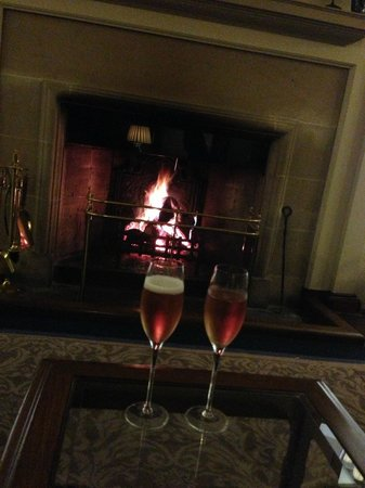 Mallory Court Hotel: bubbles by the fire