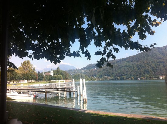 Osteria Battello: More lake view from terrasse