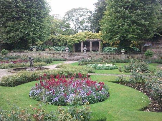 Lyme Park: Rose Gardens