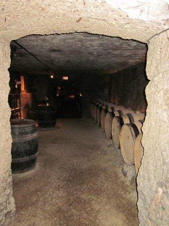 Marché aux vins : Cellar