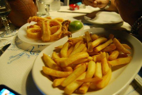 Mavromatis: frittura di calamari e patate