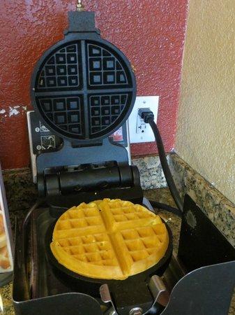 Vagabond Inn Bakersfield North: Ontbijt ruimte