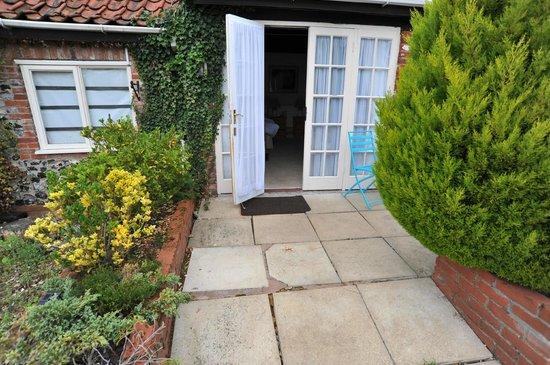 The White Hart Inn: Entrance to room 1