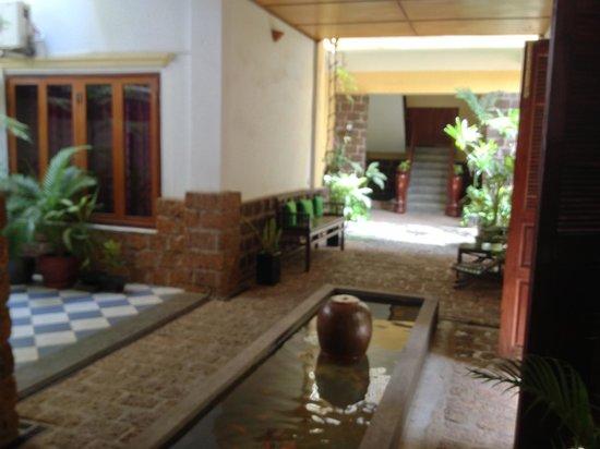 Kambuja Inn: Lobby