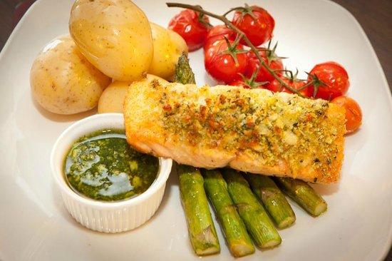 The Britannia Inn: Salmon & herb crust