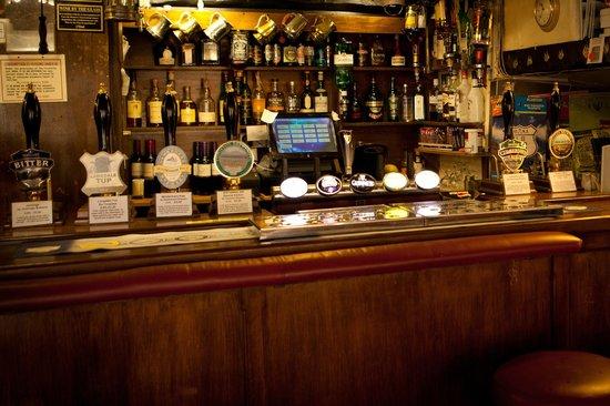 The Britannia Inn: The bar!