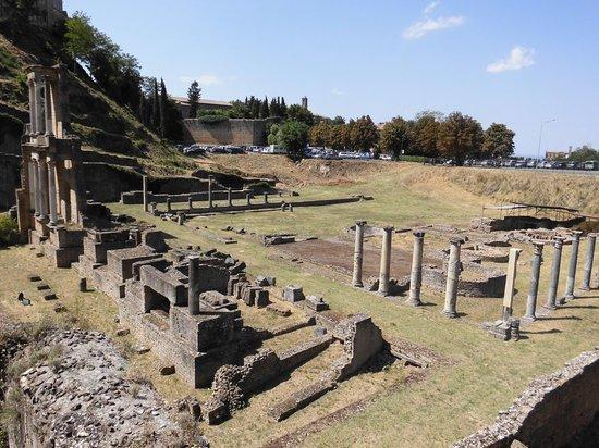 Teatro Romano (Roman Theater & Baths): vista complessiva