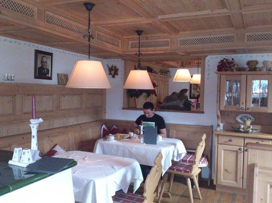 Der Kapruner Hof: Our table