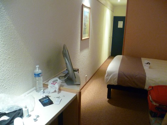 Hotel Ibis Liege Centre Opera: room