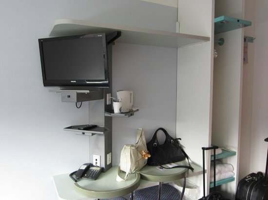 Cabinn City Hotel : TV + kettle