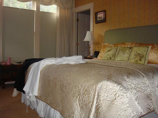 Historic Deerfield: Room 164 Deerfield Inn
