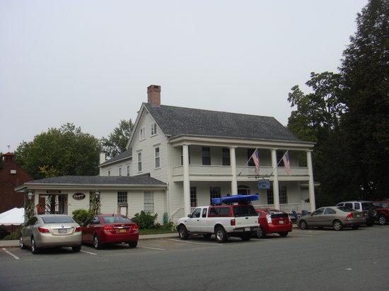 Historic Deerfield: Deerfield Inn
