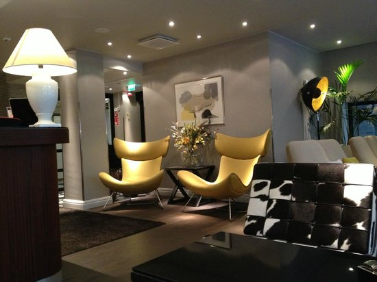 Lounge section of lobby, Fabian Hotel