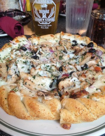 Houston Lodge Marketplace : Some of the best pizza you'll find.
