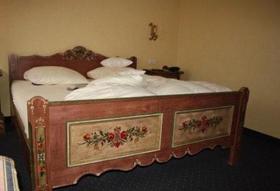 Adler Hotel & Restaurant Gross-Gerau : double bed