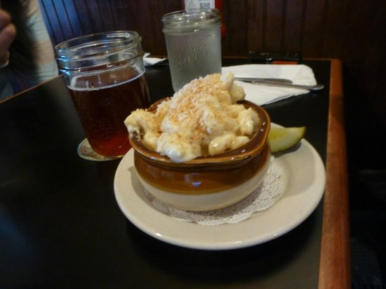The Reservoir - Restaurant and Tap Room : Mac and Cheese
