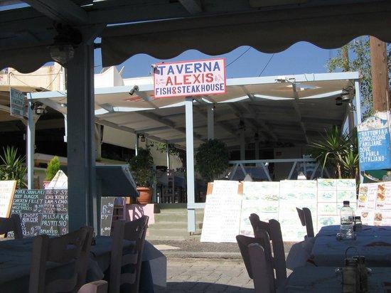 Alexis taverna: zicht op taverne