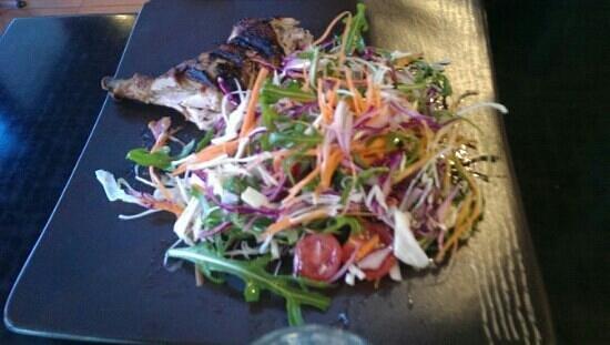 La Camera Restaurant Southgate: Portuguese chicken with salad