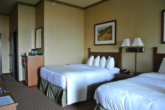 Canal Park Lodge: Beds