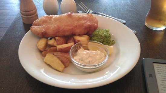 Best Western The Crianlarich Hotel : Fish & Chips (with Brown AND Green Peas)
