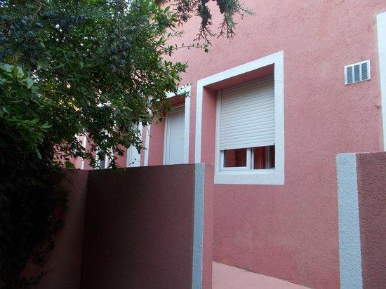 La Chaumiere : Terrace/entrance to room 11