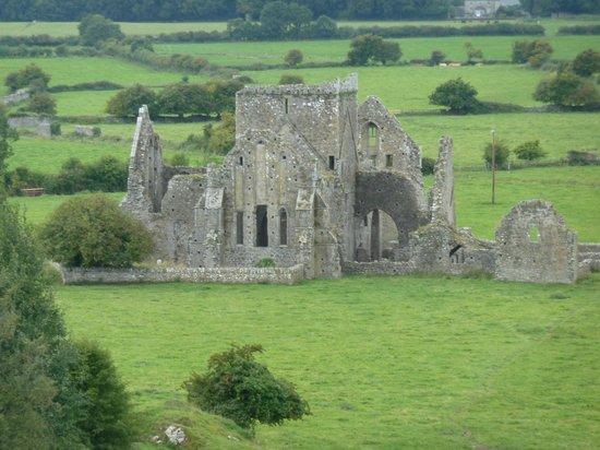 Peggy O'Neills B&B: The abbey