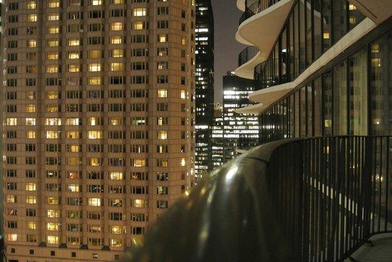 Radisson Blu Aqua Hotel: Night on balcony