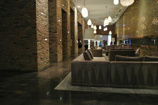 Radisson Blu Aqua Hotel: Lounge
