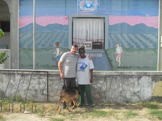 D's Hostel: de geschilderde gevel van de hostel