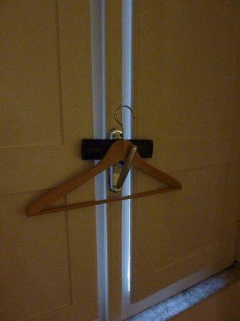 Arco del Lauro: comment maintenir la fenêtre fermée...