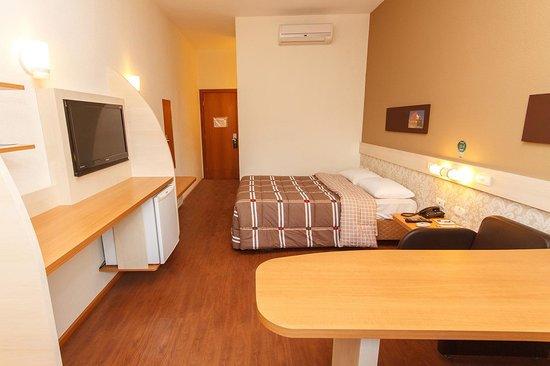 Hotel 10 Sao Leopoldo: Apartamentos com uma cama de casal